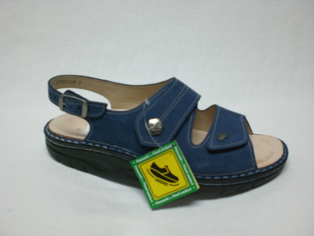 blaue sandale mit abrollsohle finnamic schuh raesfeld. Black Bedroom Furniture Sets. Home Design Ideas